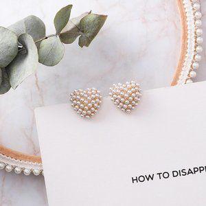 ✨NEW!✨ Pearl Heart Stud Earrings!